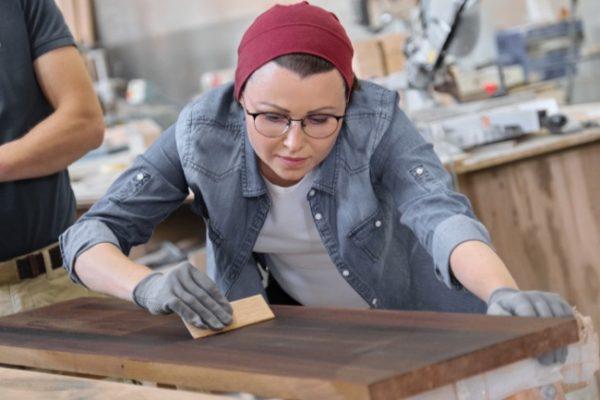 transformer meuble bois en meuble industriel