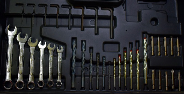 rangement fermé pour outils